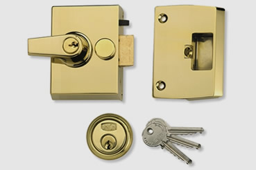 Nightlatch installation by Ealing master locksmith